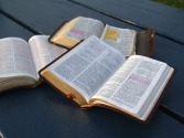 bible-study-1312533-1280x960