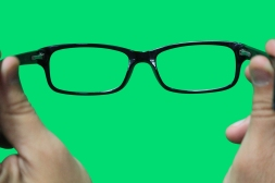 eyeglasses-on-a-green-screen-1142767-1279x852